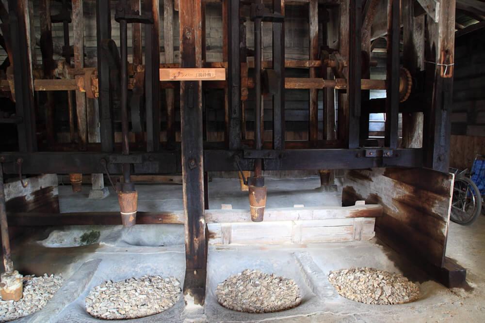 Shida-yaki Pottery Factory Museum (interior)