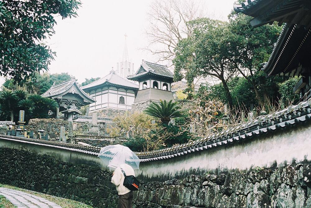 可看到寺院与教堂的风景